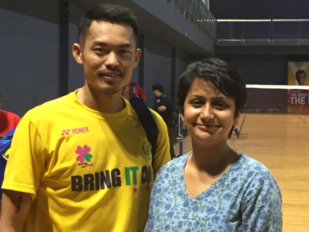 My 'yuhoooo' moment with Super Dan (Lin Dan). How sweet of him to smile... we look like long lost friends here, don't we. :P